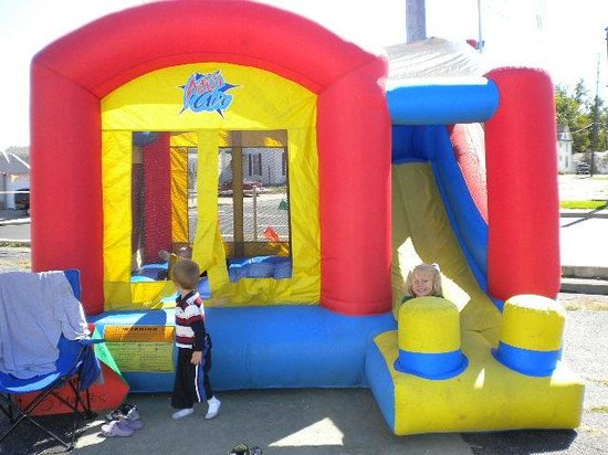 Connersville, IN: Fun for the Kids  Carin's Bounce Houses