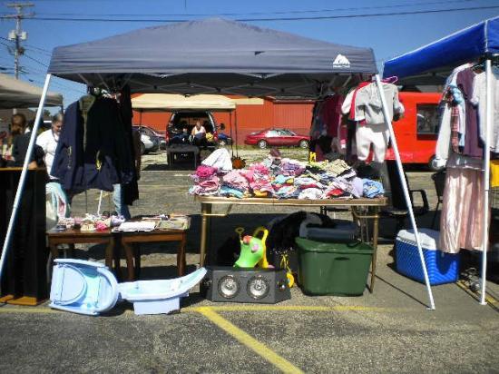 Connersville Community Flea Market: Flea Market