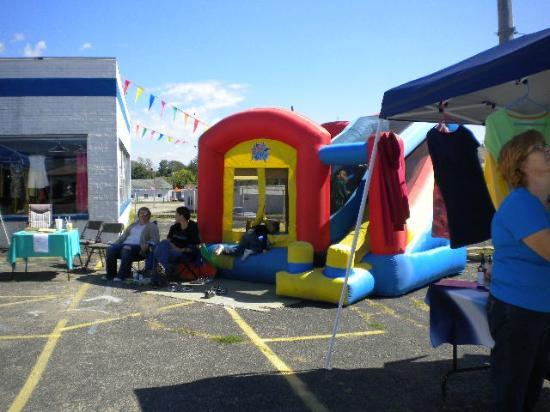 Connersville Community Flea Market: Carin's Bounce houses