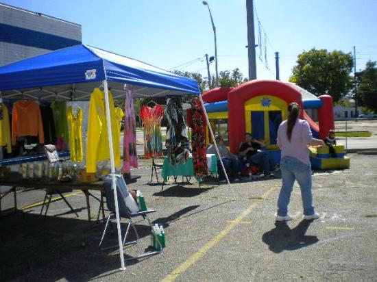 Connersville Community Flea Market: Penny Wise Apparel Used Clothing 765-265-0523