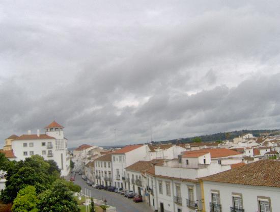 Ibis Evora: City view
