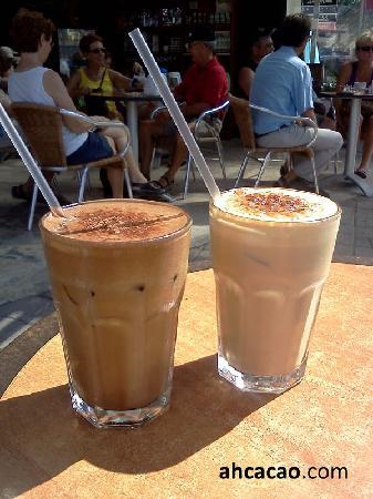 Ah Cacao Chocolate Cafe : Ah Cacao Iced Mocha and Iced Latte