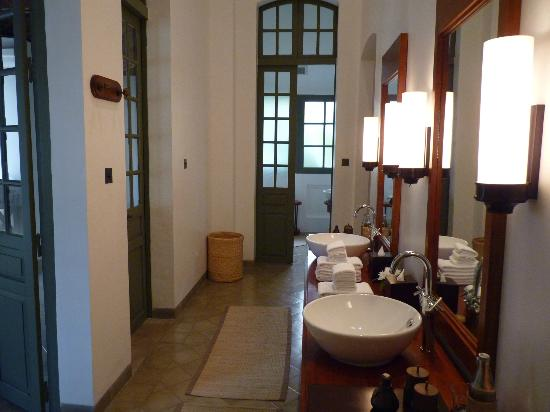Amantaka suite 25: bathroom