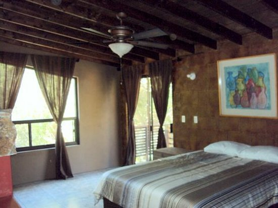 "Casa Encinares Bed and Breakfast: Single Room ""King Bed"""