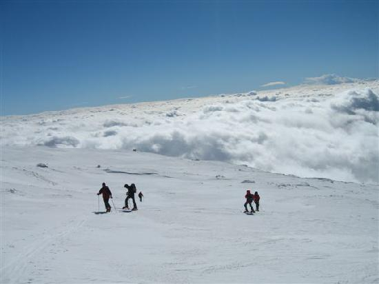 B&B Sotto il Vulcano: Etna sopra le nuvole