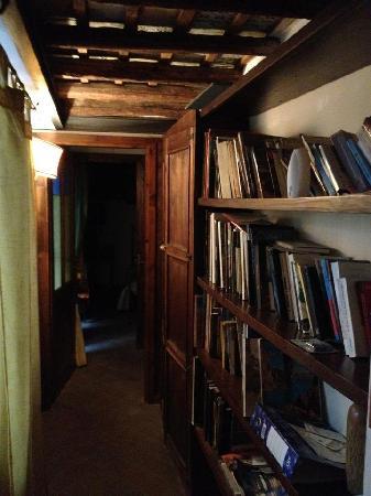 B&B Il Mezzanino del Gattopardo: libreria