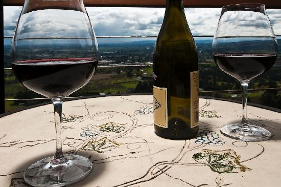 Chehalem Ridge Bed and Breakfast: You bring the wine, we'll bring the view on you private deck.