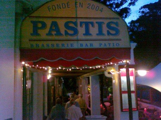 Pastis: Eingang zum Restaurant