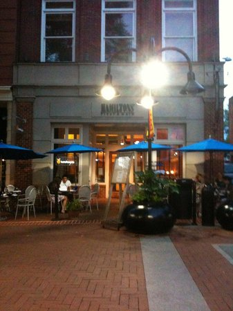 Hamiltons' at First & Main: Hamiltons