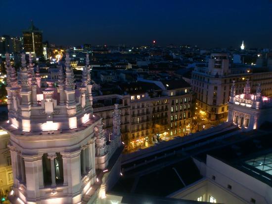 Madrid, Espagne : calle alcala desde el palacio de cibeles
