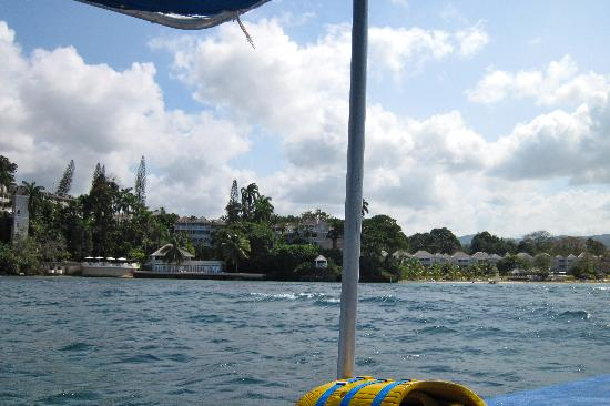 Couples Sans Souci : View of the resort from glass bottom boat ride