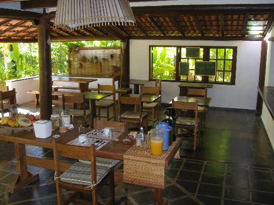 Pousada Jacaranda: Breakfast for two