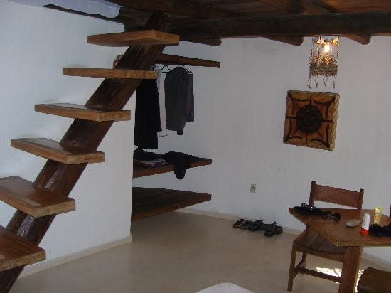 Pousada Jacaranda: Split level, steep steps