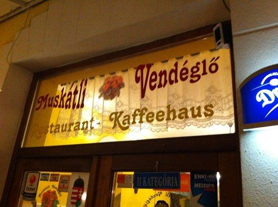 Muskatli Restaurant : entrance