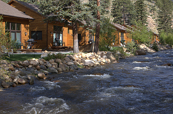 River Stone Resort and Bear Paw Suites: River Stone on Fall River