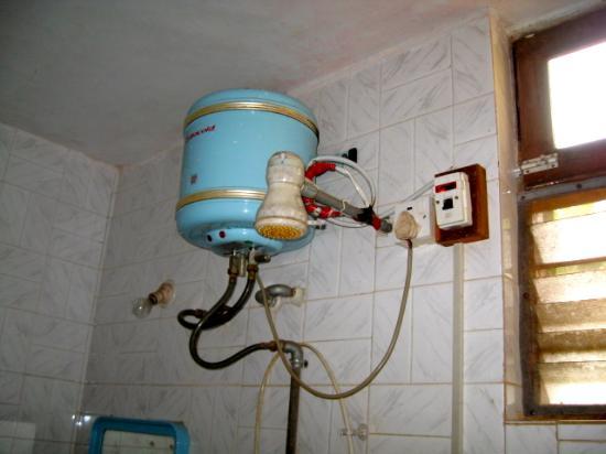 Kismat Mahal: Bathroom Wiring