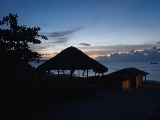 Valentine Villas: sunset in December