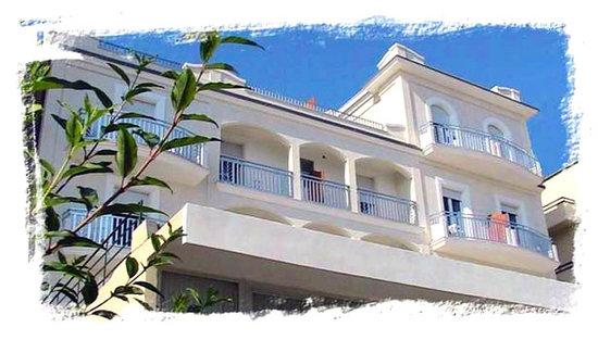 Hotel Cevoli Cattolica: Welcome to Hotel Cevoli