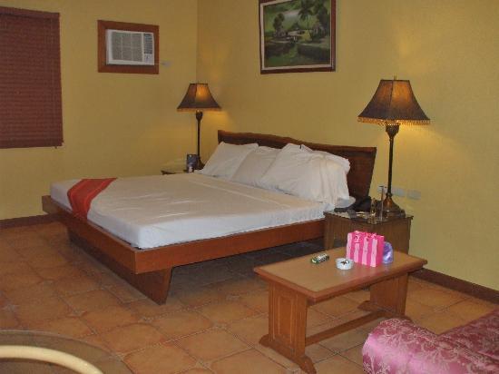 Hotel La Corona de Lipa: Suite 102