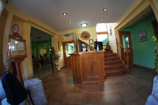 Hosteria Les Eclaireurs : l'entrée et la réception