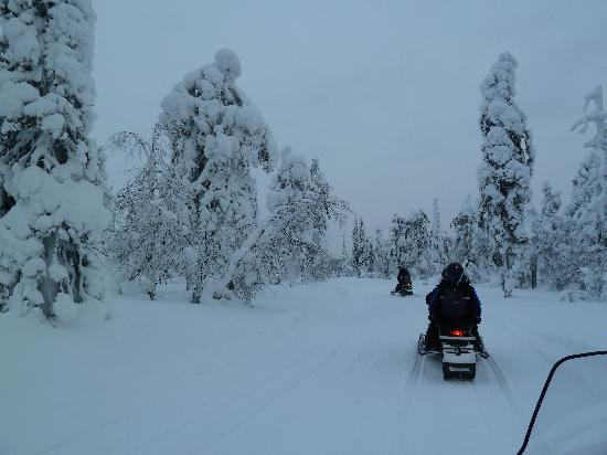 Amethyst Mine Lapland : snow mobile to mine