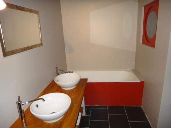 Relais De La Mothe: one of the bathrooms.  window into room.