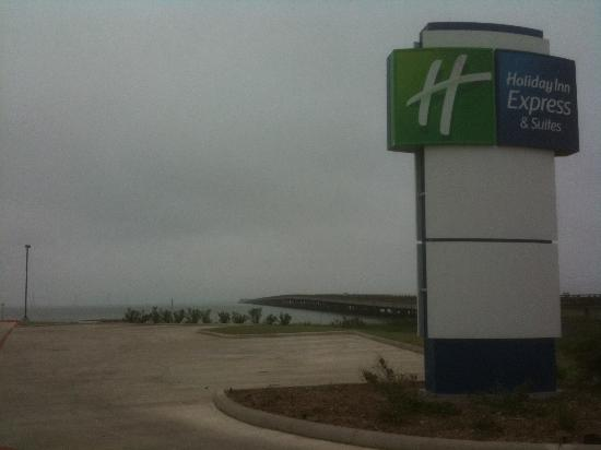 Holiday Inn Express Hotel & Suites Port Lavaca : View of bridge adjacent to property