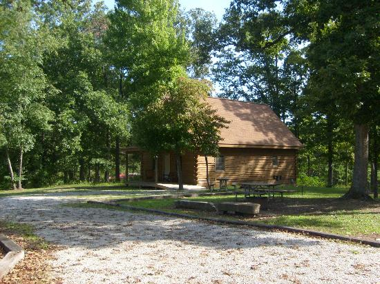Roaring River Resort & Campground: nice place to walk