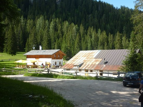 pezie de paru , the perfect hide away for an active holiday