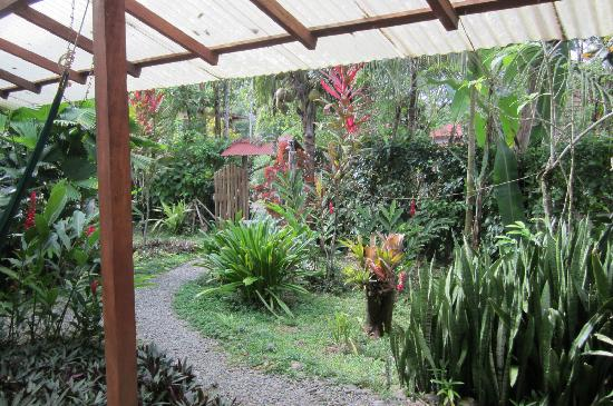 Vista Verde Guest House: lovely gardens