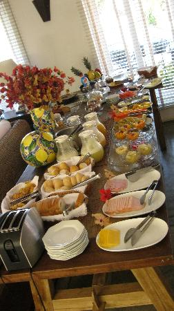 La Chimere: Breakfast spread