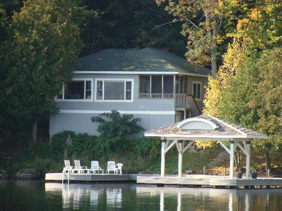 Port Cunnington Lodge & Resort: located on the waters edge