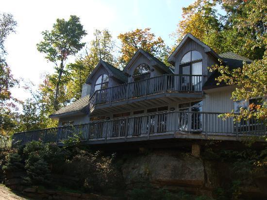 Port Cunnington Lodge & Resort: Custom built Chalets