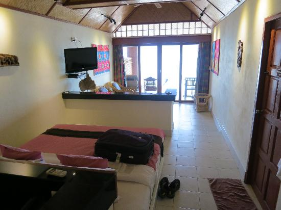 Friendship Beach Resort & Atmanjai Wellness Centre: Room, looking out to the water
