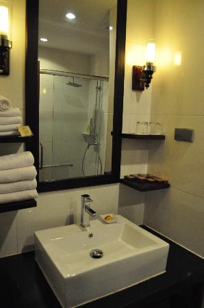 Salana Boutique Hotel: Bathroom at Salana