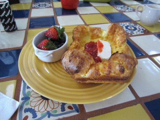 Casa de Rosie - A Mesilla B and B: Breakfast was delicious...served with pressed coffee!