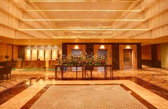 Radisson Blu Hotel Chennai City Centre : lobby