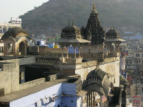 Haveli Dhan Laxmi : Roof top view from Dhan Laxmi
