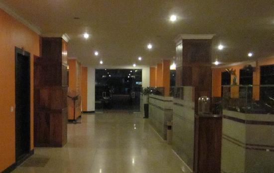 Skyway Hotel: Restaurant