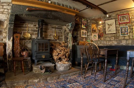 The George Inn: Inside