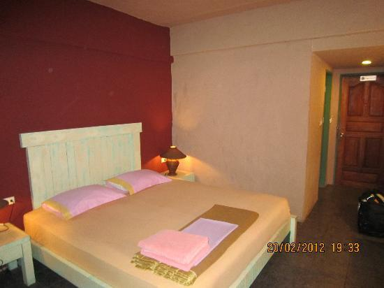 Casa Brazil Homestay & Gallery: Very clean and spacious room