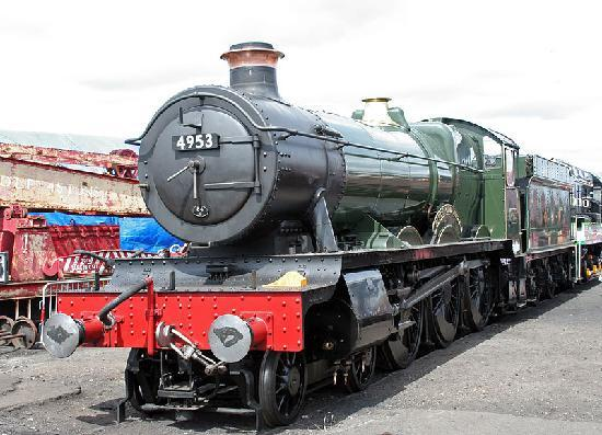 Chipping Ongar, UK: Pitchford Hall, one of EOR's home locomotive fleet