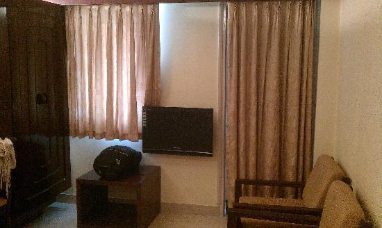 Hotel Metro Palace : Room