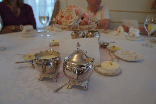 Tea & Niceties: All done nicely!