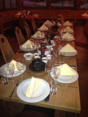Hotel Konradin: Fondue in der alten Stube