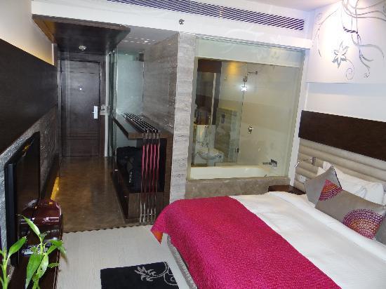 Maya Hotel: room