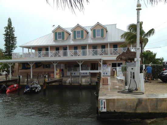 Big Pine Key Fishing Lodge : The store building