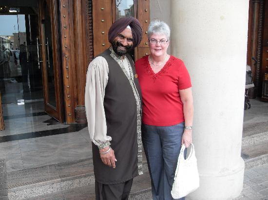 Arabian Courtyard Hotel & Spa : A proper gentleman