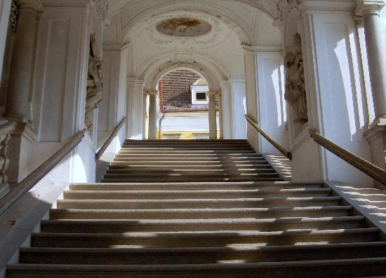 Augustiner Chorherrenstift St. Florian: Abbazia di St. Florian la scalinata