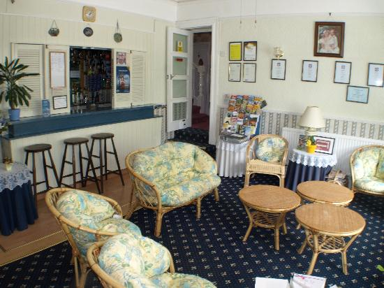 Crimdon Dene Guest House: Bar/Lounge